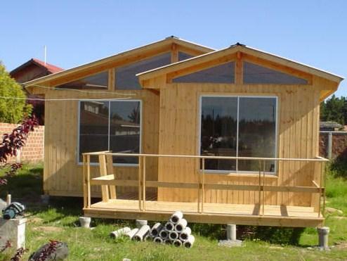 Casas prefabricadas peque as casas con pergolas de madera for Casas prefabricadas pequenas