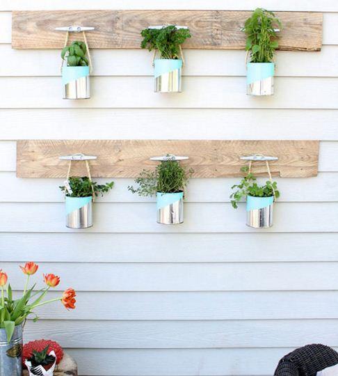 Jardines verticales con latas