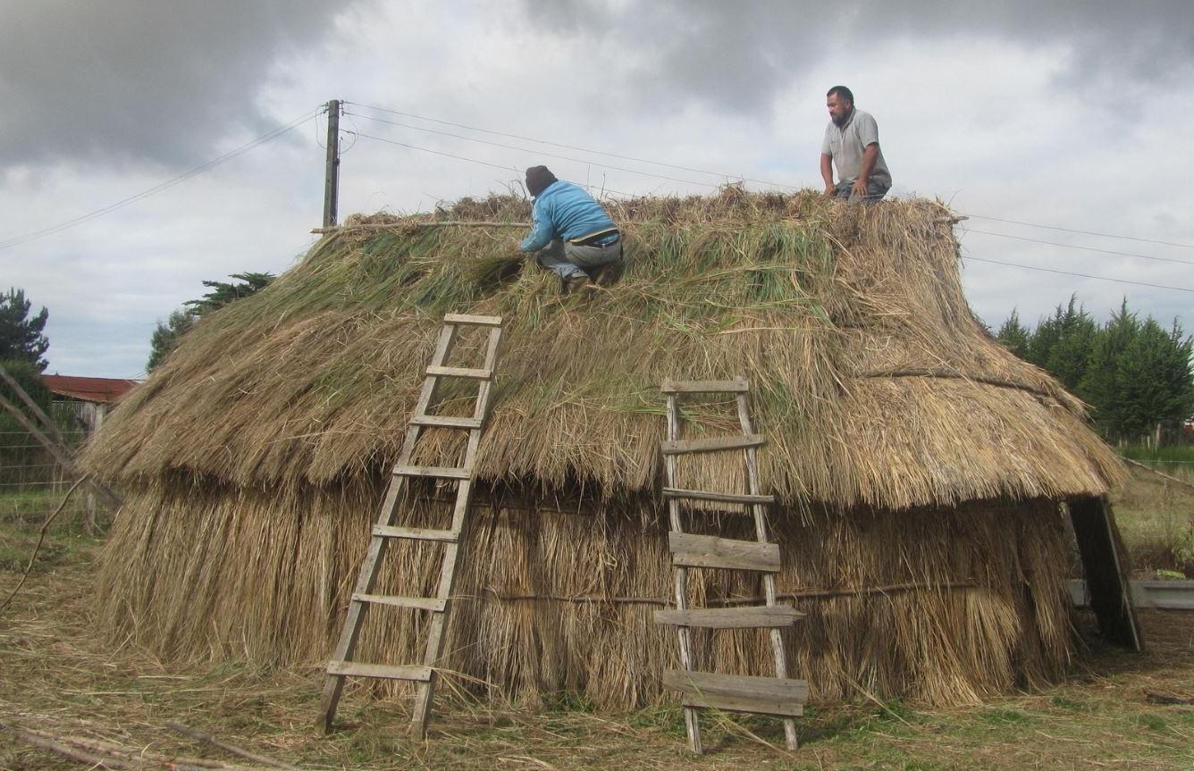 construccion-de-techos-de-totora