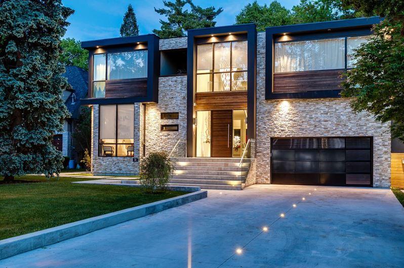 Dise o de casa moderna de cuatro dormitorios planos de for Diseno de casa moderna de dos pisos fachada e interiores