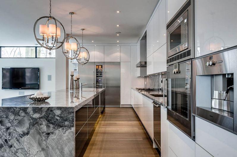 Dise o de casa moderna de dos pisos fachada e interiores Interiores de casas modernas 2015