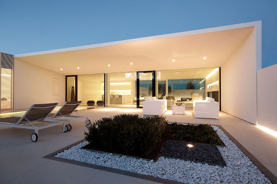 Planos de casas minimalistas de 3 habitaciones for Casas con piscina interior fotos