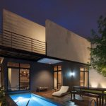 Plano de casa con cielo raso de madera